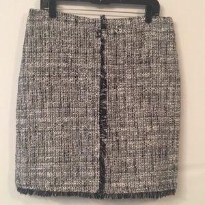 EUC NY & Co Black/White Bouclé Skirt Sz12